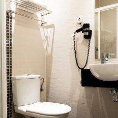 Отель Hostal Bcn 46 ванная фото 2