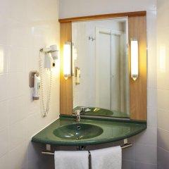 Hotel ibis Madrid Aeropuerto Barajas 2* Стандартный семейный номер с двуспальной кроватью