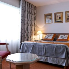 Отель Hôtel Charlemagne 4* Стандартный номер с различными типами кроватей фото 4