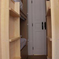 Oporto Music Hostel Кровать в общем номере с двухъярусной кроватью фото 5