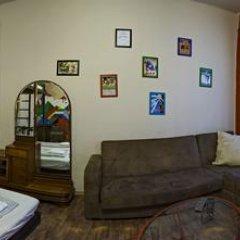 Santico Art Hostel And Guesthouse Стандартный семейный номер фото 17