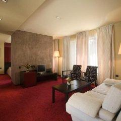 Отель Famous House