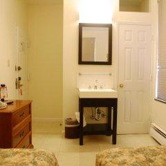 Отель Americana Inn 2* Стандартный номер с 2 отдельными кроватями (общая ванная комната) фото 3