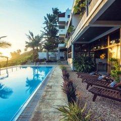 Отель Amba Ayurveda Boutique Hotel Шри-Ланка, Пляж Golden Mile - отзывы, цены и фото номеров - забронировать отель Amba Ayurveda Boutique Hotel онлайн бассейн фото 3