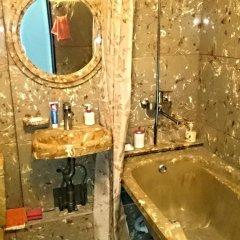 Гостиница Art House Apartments в Курске отзывы, цены и фото номеров - забронировать гостиницу Art House Apartments онлайн Курск ванная