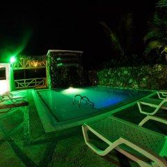 Отель Dharma Beach бассейн