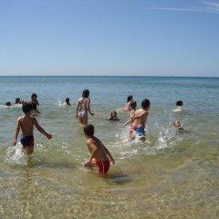 Отель V2 Manta Rota пляж