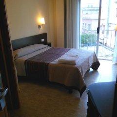 Отель Hostal Sant Sadurní Стандартный номер с двуспальной кроватью фото 12