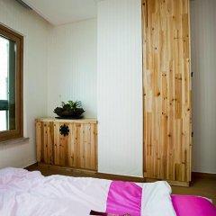 Отель Myeongdong ECO House 2* Стандартный номер с 2 отдельными кроватями фото 16