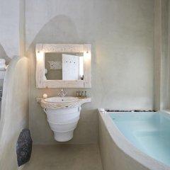 Отель Athermi Suites Греция, Остров Санторини - отзывы, цены и фото номеров - забронировать отель Athermi Suites онлайн ванная