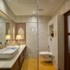 Отель WelcomHeritage Haveli Dharampura 5* Стандартный номер с различными типами кроватей фото 4