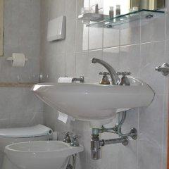 Отель Residenza Parco Fellini Римини ванная