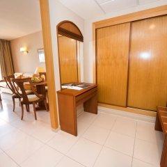 Отель Bahia Tropical Альмуньекар в номере фото 2