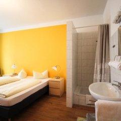 Отель Pension/Guesthouse am Hauptbahnhof Стандартный номер с двуспальной кроватью (общая ванная комната) фото 24