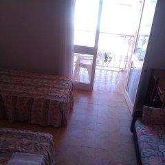 Отель Hostal Pineda Стандартный номер с различными типами кроватей фото 4