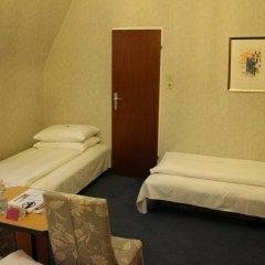 Schweizerhof Hotel 3* Стандартный номер фото 6