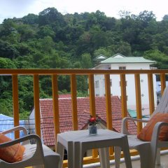 Отель Patong Bay Guesthouse 2* Улучшенный номер с различными типами кроватей фото 8