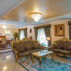 Отель Holiday International Sharjah Президентский люкс с различными типами кроватей фото 4