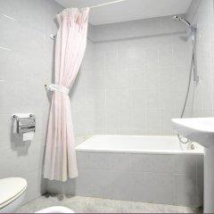 Отель Hostal la Carrasca ванная