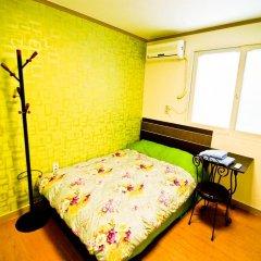 Отель Kimchee Hongdae Guesthouse Стандартный номер с различными типами кроватей фото 3