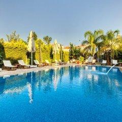 BeyEvi Hotel Чешме бассейн фото 3