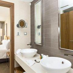 Отель Hilton Malta 5* Номер Делюкс с различными типами кроватей фото 8