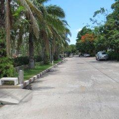 Апартаменты View Talay 1b Serviced Apartments Паттайя парковка