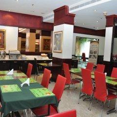 Отель Claridge Hotel ОАЭ, Дубай - отзывы, цены и фото номеров - забронировать отель Claridge Hotel онлайн питание фото 2