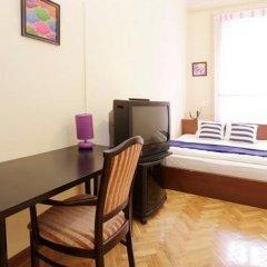Отель City Rooms Стандартный номер с двуспальной кроватью (общая ванная комната) фото 12
