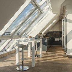 Отель Penthouse Stephansplatz Люкс с различными типами кроватей фото 31