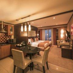 Emirates Grand Hotel 4* Номер Делюкс с различными типами кроватей