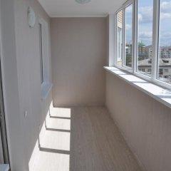 Гостиница Avangard Apartments on Fabrichnaya в Тюмени отзывы, цены и фото номеров - забронировать гостиницу Avangard Apartments on Fabrichnaya онлайн Тюмень балкон