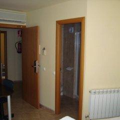 Отель Hostal Sant Sadurní Стандартный номер с двуспальной кроватью фото 6