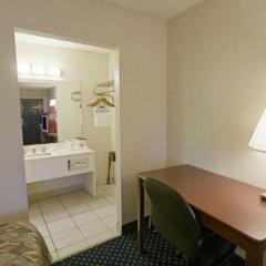 Отель Americas Best Value Inn Fort Worth/Hurst 2* Стандартный номер с различными типами кроватей