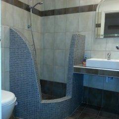 Отель Katefiani Villas Греция, Остров Санторини - отзывы, цены и фото номеров - забронировать отель Katefiani Villas онлайн ванная