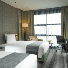 Отель Holiday Inn Bangkok Sukhumvit 4* Номер Премьер фото 12