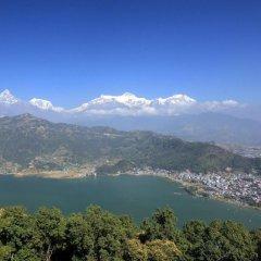 Отель Pavilions Himalayas Непал, Лехнат - отзывы, цены и фото номеров - забронировать отель Pavilions Himalayas онлайн приотельная территория фото 2