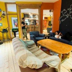 The Monk's Bunk Party Hostel интерьер отеля фото 3
