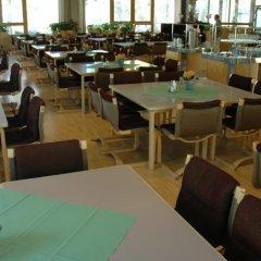 Отель Kokoushotelli Sofia Финляндия, Хельсинки - 1 отзыв об отеле, цены и фото номеров - забронировать отель Kokoushotelli Sofia онлайн питание