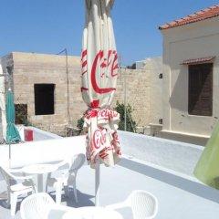 Отель Stavros Pension Греция, Родос - отзывы, цены и фото номеров - забронировать отель Stavros Pension онлайн бассейн фото 2