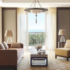 Отель The Ritz-Carlton, Dubai Улучшенный номер с различными типами кроватей фото 2
