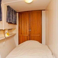 Отель The Hoop Houseboat Нидерланды, Амстердам - отзывы, цены и фото номеров - забронировать отель The Hoop Houseboat онлайн удобства в номере