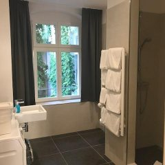Отель Schoenhouse Apartments Германия, Берлин - отзывы, цены и фото номеров - забронировать отель Schoenhouse Apartments онлайн ванная фото 2
