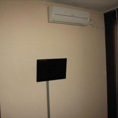 Отель Greek rooms in city centre 3* Номер с общей ванной комнатой с различными типами кроватей (общая ванная комната) фото 4