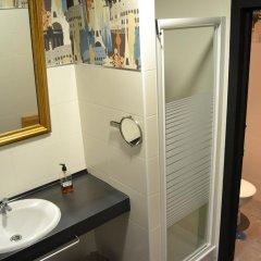 Отель Hostels MeetingPoint 2* Кровать в женском общем номере с двухъярусной кроватью фото 14