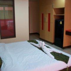 Dengba Hostel Phuket Улучшенный номер с различными типами кроватей фото 3