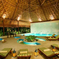 Отель Secrets Capri Riviera Cancun бассейн