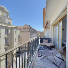 Отель Appartement Rue Grimaldi балкон