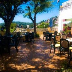 Отель Apartamentos Famara Испания, Льорет-де-Мар - отзывы, цены и фото номеров - забронировать отель Apartamentos Famara онлайн гостиничный бар