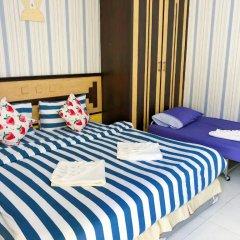 Отель B & L Guesthouse 3* Стандартный семейный номер с разными типами кроватей фото 4